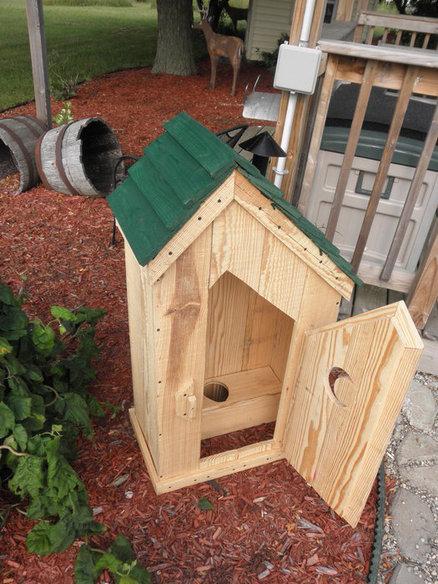 potty shed 2.jpg